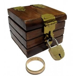 Mini Locked Chest (Ring Box / Quarter Go)
